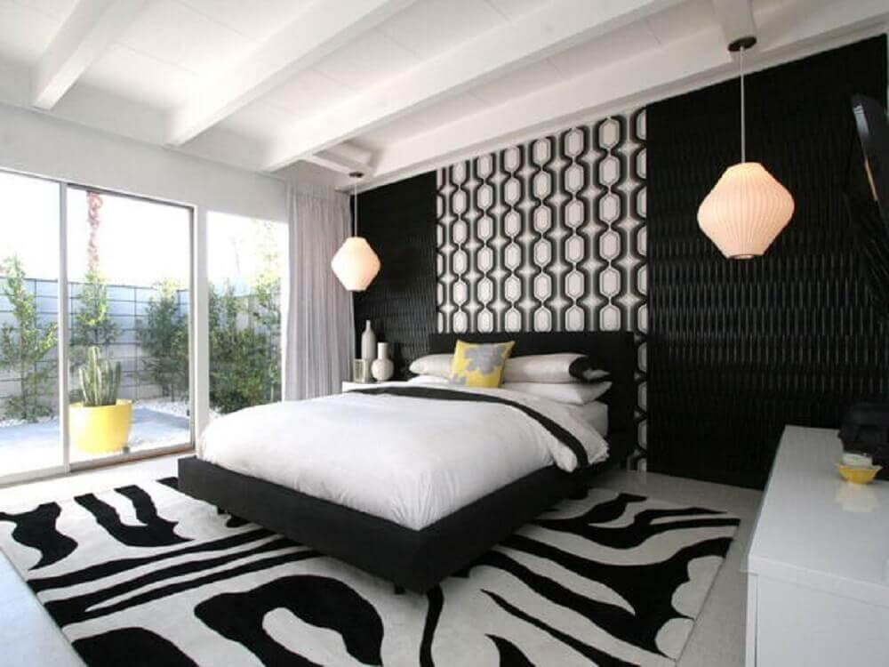 quarto preto e branco muito aconchegante com o tapete