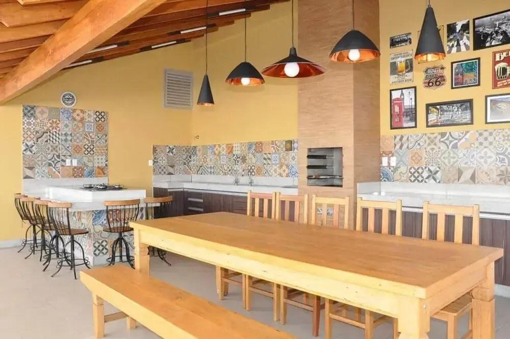 decoração de área gourmet externa com ladrilho hidráulico
