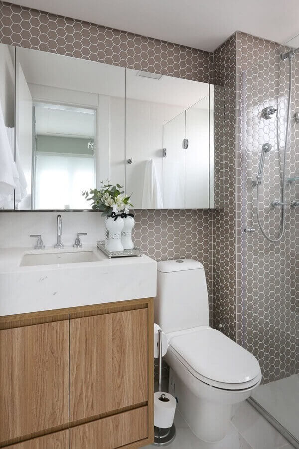 Before defining small bathroom cabinets, evaluate the measurements of your environment