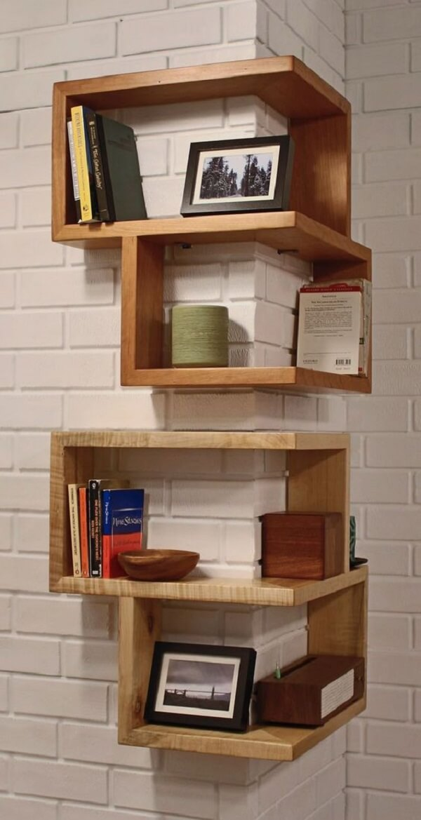 This wooden corner niche model embraces the wall and serves as a support for various decorative items