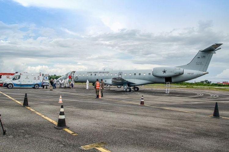 Aeronaves da Força Aérea Brasileira removem 248 pacientes do estado do Amazonas para várias cidades.