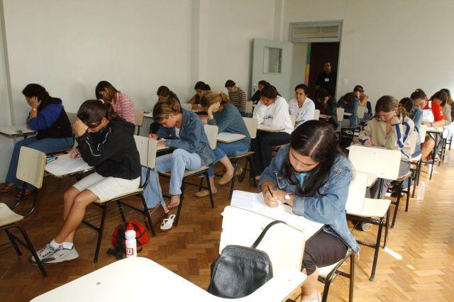 Estudantes