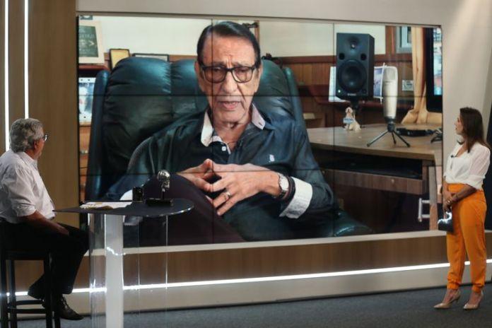O gerente-executivo da Rádio Nacional, Luciano Seixas, a apresentadora da Voz do Brasil, Gabriela Mendes e o gerente de operações de áudio, Leleco Santos, participam do programa Sem Censura, na TV Brasil