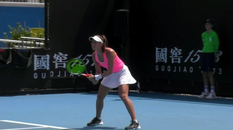 Luisa Stefani e a norte-americana Hayley Carter bateram Paula Badosa e Danka Kovinic por 2 sets a 1.