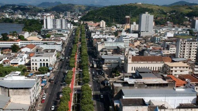 Ministro inaugura obras no trecho urbano da BR-356 em Itaperuna (RJ)