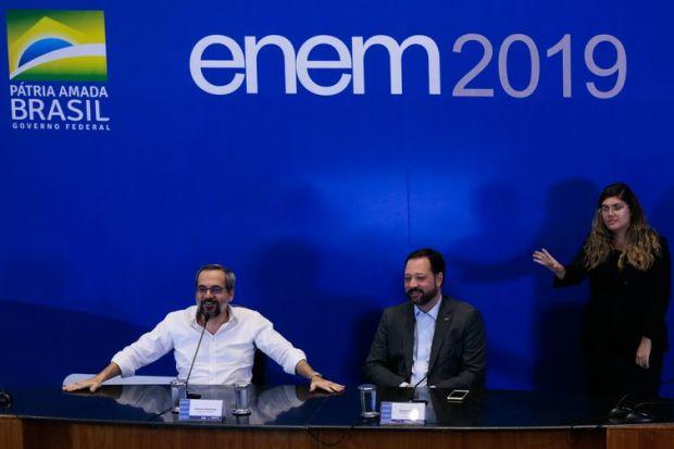 O Ministro da Educação, Abraham Weintraub, e o presidente do Inep, Alexandre Lopes, fazem balanço sobre o ENEM 2019