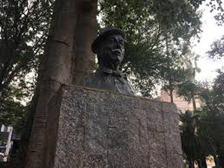 Estátua de Adoniran, no Centro de São Paulo