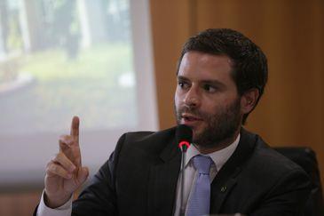 Brasília - O coordenador-geral do Comitê Nacional para os Refugiados (Conare), Bernardo Laferté, divulga o terceiro relatório sobre refúgio no Brasil, no Ministério da Justiça (Fabio Rodrigues Pozzebom/Agência Brasil)