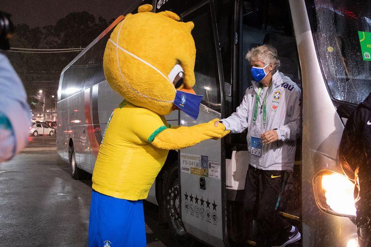 Pia Sundhage chega ao Morumbi para partida contra Equador.