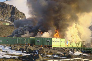 Estação Comandante Ferraz pegou fogo em fevereiro de 2012