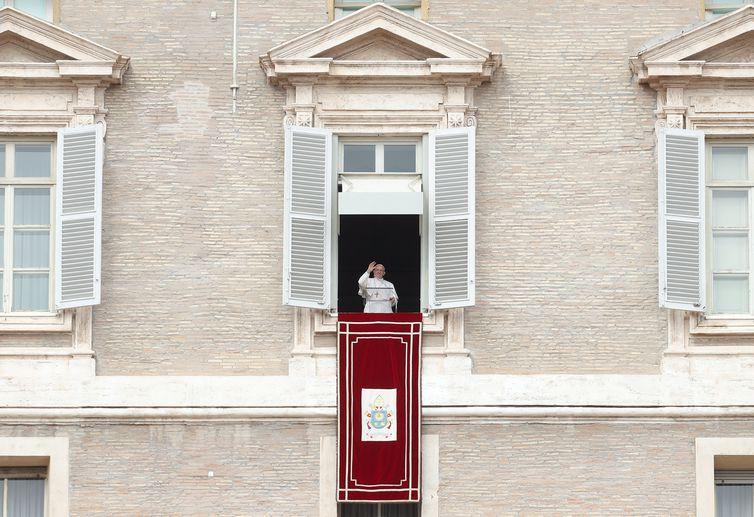 Papa Francisco falou sobre os ataques em Ghouta durante a celebração do Angelus, na Praça de São Pedro, no Vaticano