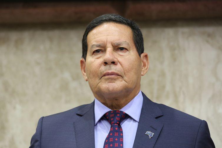 Presidente da República em exercício, Hamilton Mourão, durante Sessão Solene de posse dos novos dirigentes do Tribunal Regional Federal da 4ª Região.