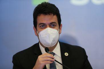 O secretário-executivo do Ministério da Saúde, Rodrigo Cruz, durante coletiva sobre as novas diretrizes da campanha nacional de vacinação contra a Covid-19.