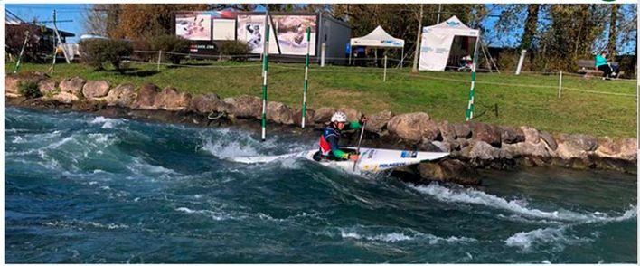 Ana Sátila garante mais um ouro na Europa Esse é a segunda medalha dourada da brasileira pelo C1 (canoa individual), no mês passado na etapa realizada em Tacen na Eslovênia. Agora a atleta soma seis medalhas em Copas do Mundo