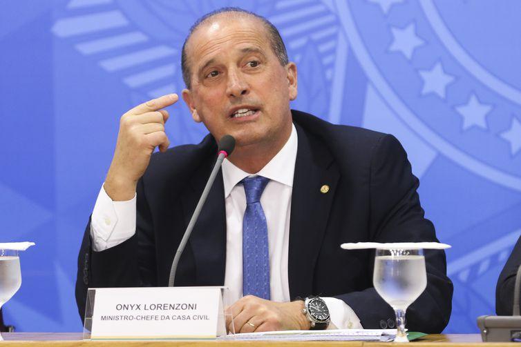 O ministro da Casa Civil, Onyx Lorenzoni, durante entrevista à imprensa no Palácio do Planalto, sobre  as empresas públicas que serão incluídas na lista de privatização até o final do ano.