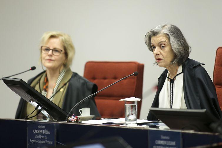 A ministra Rosa Weber e a presidente do Supremo Tribunal Federal (STF), Cármem Lúcia, durante a segunda e última audiência pública sobre descriminalização do aborto.