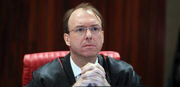 Ministro Carlos Horbach determina retirada de vídeo da campanha de Bolsonaro com ataques ao STF