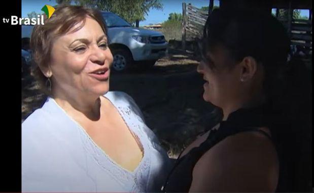 Mara Régia vista Kennya Silva em Xinguara (PA).