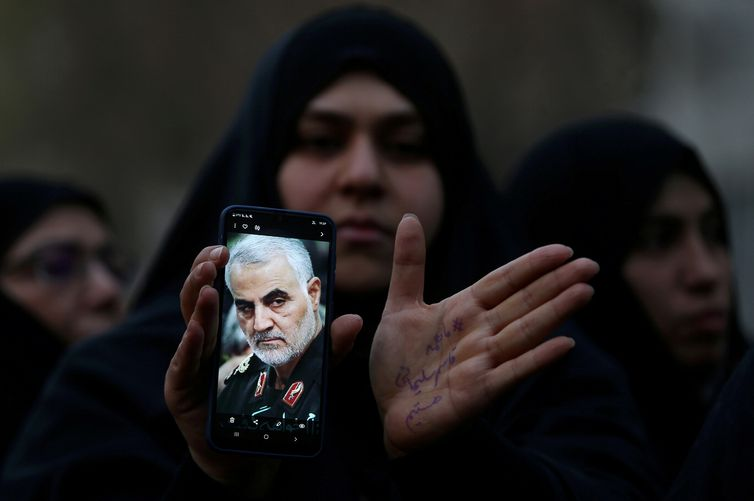 Iranianos protestam contra morte do general Soleimani - Reuters/Divulgação