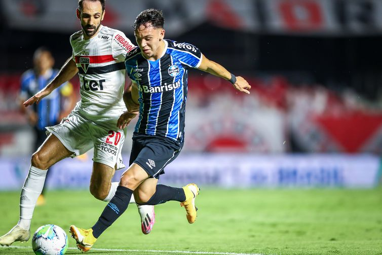Grêmio avança á final da Copa do Brasil 2020 em embate contra o São Paulo.