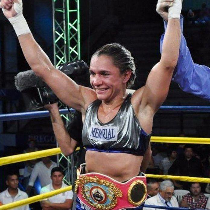 Rose vai enfrentar Halanna dos Santos pela categoria das super-leves (até 63,5 quilos).