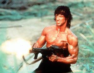 Stallone/Rambo mandando ver em Rambo II: A Missão