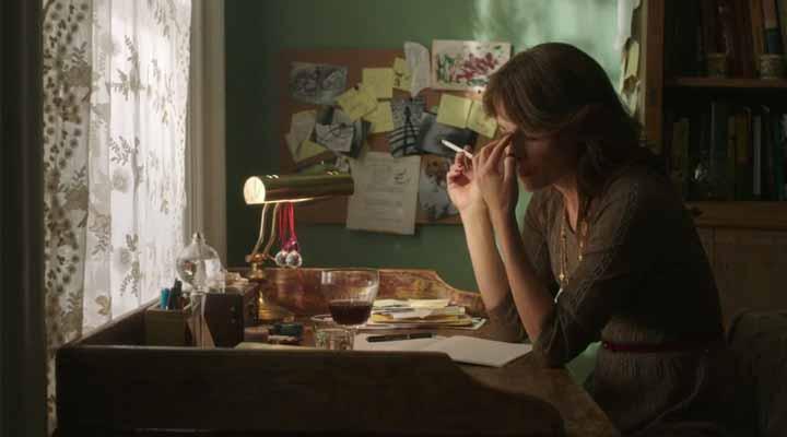 Crítica do filme Entrelinhas, de Emilia Ferreira.