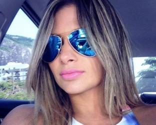 Presa por repassar ordens ao tráfico da Rocinha, mulher de Nem mostra vida de luxo e abusa de 'selfies' na web