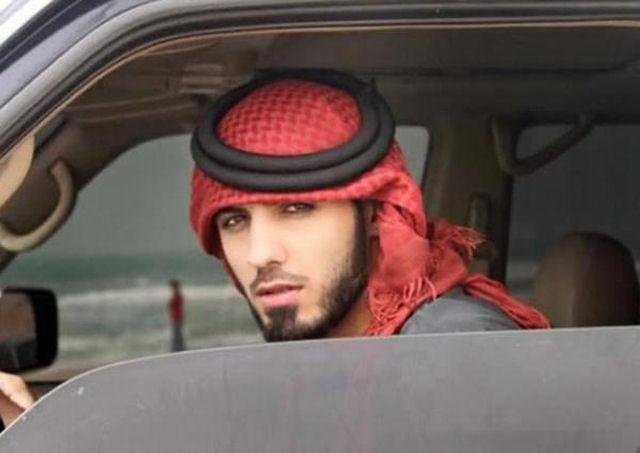 Garotas, para o seu deleite, o homem que foi expulso da Arábia Saudita por ser muito bonito 07