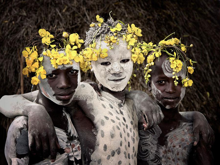 A vida de tribos que estão desaparecendo pelo mundo 38