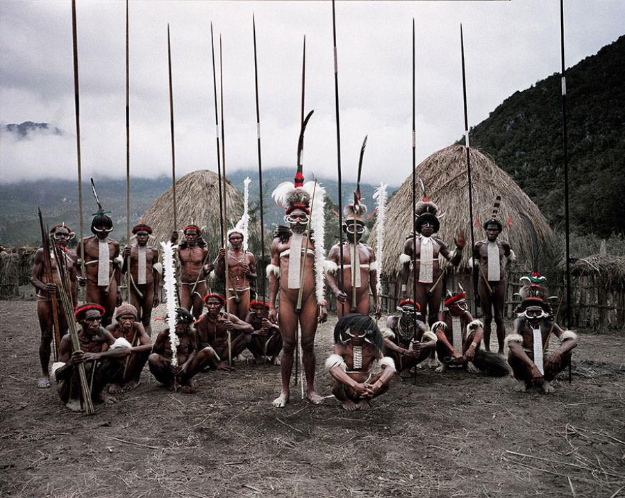 A vida de tribos que estão desaparecendo pelo mundo 41