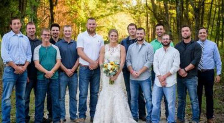 cas 3 748 - Mulher 'se casa' com noivo morto