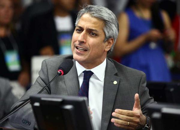 O deputado Alessandro Molon é contra a nova medida. (Foto: Divulgação).