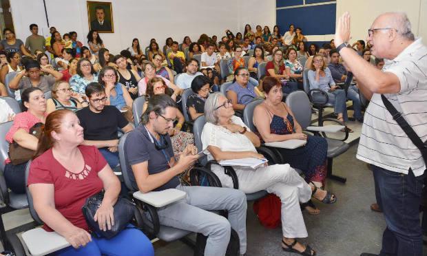 Mais de 1,2 mil professores da UPE vão cruzar os braços contra algumas medidas políticas e salariais / Foto: Divulgação
