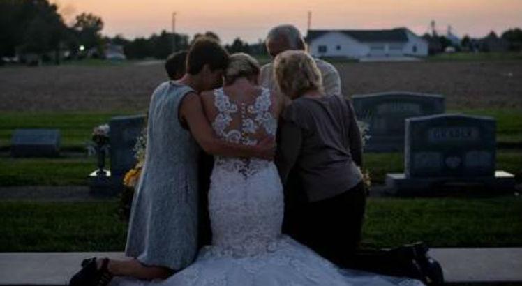 cas 5 748 - Mulher 'se casa' com noivo morto