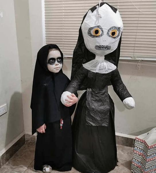 A menina que escolheu A FREIRA como tema de sua festa de 4 anos