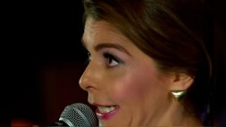 """[VIDEO] Itatí Cantoral vuelve a cantar """"La Guadalupana"""""""