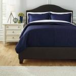 Signature Design By Ashley Bedding Sets Queen Raleda Navy Coverlet Set Sheely S Furniture Appliance Bedding Sets