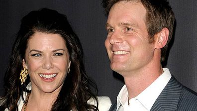 """<B>Where they met:</B> <i>Parenthoo</i>d. On this family drama she plays single mum Sarah Braverman, while he plays father-and-husband Adam Braverman &mdash; Sarah's brother. Eeeeew TV incest!<br/><br/><B>Did love blossom or bomb?</B> Blossomed. Though the two kept their relationship under wraps for a while &mdash; presumably so as not to weird out audiences of their TV show &mdash; Lauren eventually revealed all in <i>Redbook </i>magazine. """"It's so easy,"""" she said of her union with Peter."""