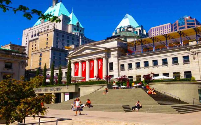 Vancouver art gallery is 09 place in your list of top vancouver photography spots