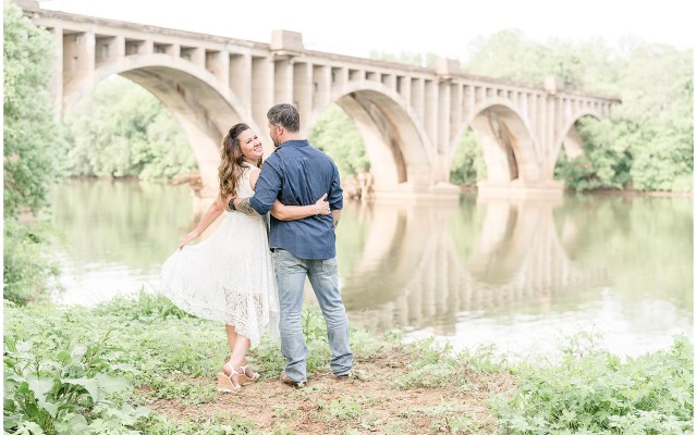 Fredericksburg engagement photographer