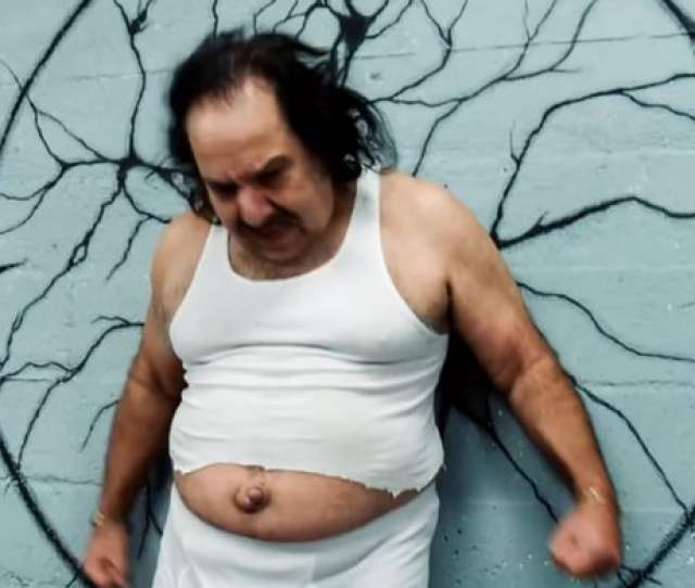 Is It Just Me Or Does Ron Jeremys Belly Button Look Like A Baby Penis 9gag