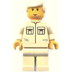 LEGO Star Wars : Minifigur Luke Skywalker mit beigen Beinen und dem seltenen Luke-Kopf von 2003.