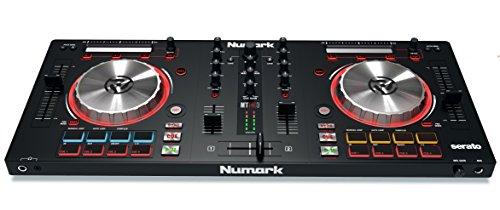 Numark Mixtrack Pro 3 - Controlador de DJ de 2 Decks Todo en Uno para Serato DJ, Interfaz de Audio Integrada, Jog Wheels de 5 Pulgadas de Alta Resolución y Serato DJ Intro y Prime Loops Remix Tool Kit