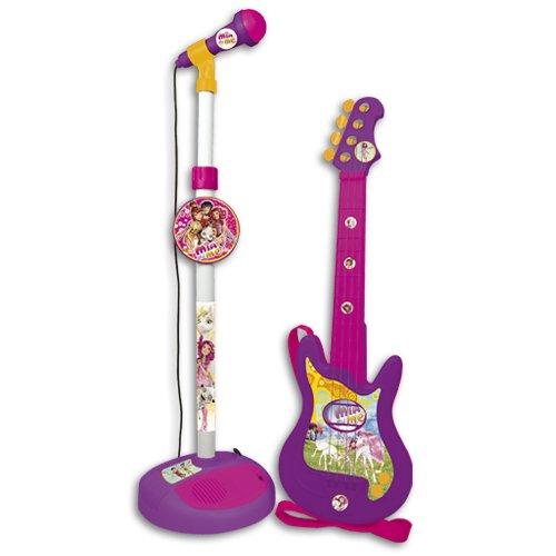 Conjunto guitarra y micrófono