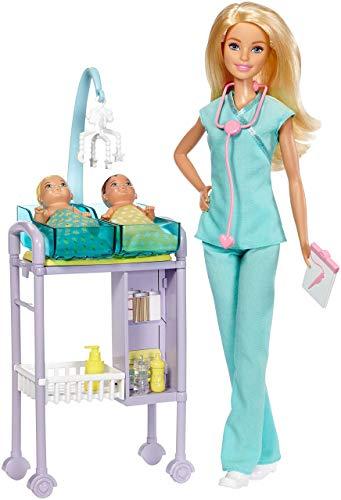Barbie Playset Pediatra, Bambola con Capelli Biondi, Accessori a Tema, Set per Le Visite e 2 Piccoli Pazienti, DVG10