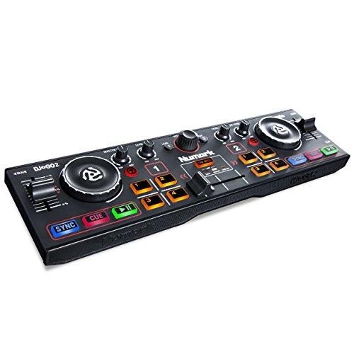 Numark DJ2GO2 - Controlador de DJ ultraportátil de dos canales con interfaz de audio incorporada, salida auriculares y Serato DJ Intro (descarga)