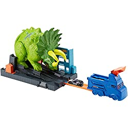 Hot Wheels - City Global Nemesis TV, Dinosaurio Triceratops y lanzador de coches de juguete (Mattel GBF97)