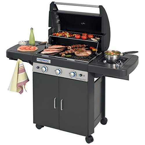 Another premium model, the Campingaz Gas BBQ 3 Series Classic LS is perfect for preparing family feasts thanks to its large cooking area supported by 4 burners in total. The many burners make it easy to cook a selection of meat, fish and vegetables at the same time. An included rotisserie option is perfect for preparing roast chicken and for extra cooking versatility.