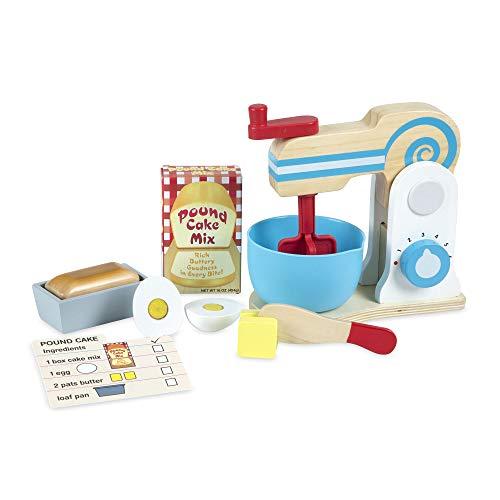 Melissa & Doug Set di giocattoli in legno per giocare a preparare una torta (11 pezzi), con mixer -...